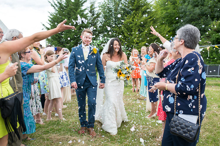 Confetti Throw Summer Sunflowers Marquee Wedding http://maddiewaters.co.uk/