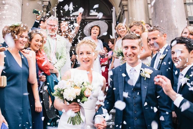 Confetti Throw Bride Groom Light Pretty Peach London City Wedding http://www.katiepalmerphotography.co.uk/