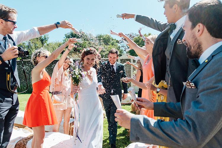 Confetti Throw Fun DIY Barn Farm Summer Wedding http://www.annapumerphotography.com/