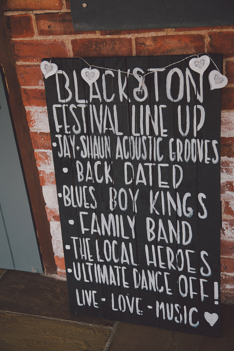 Black Chalk Board Wooden Sign Chic Rustic Grey Barn Wedding http://www.kevelkinsphotography.co.uk/