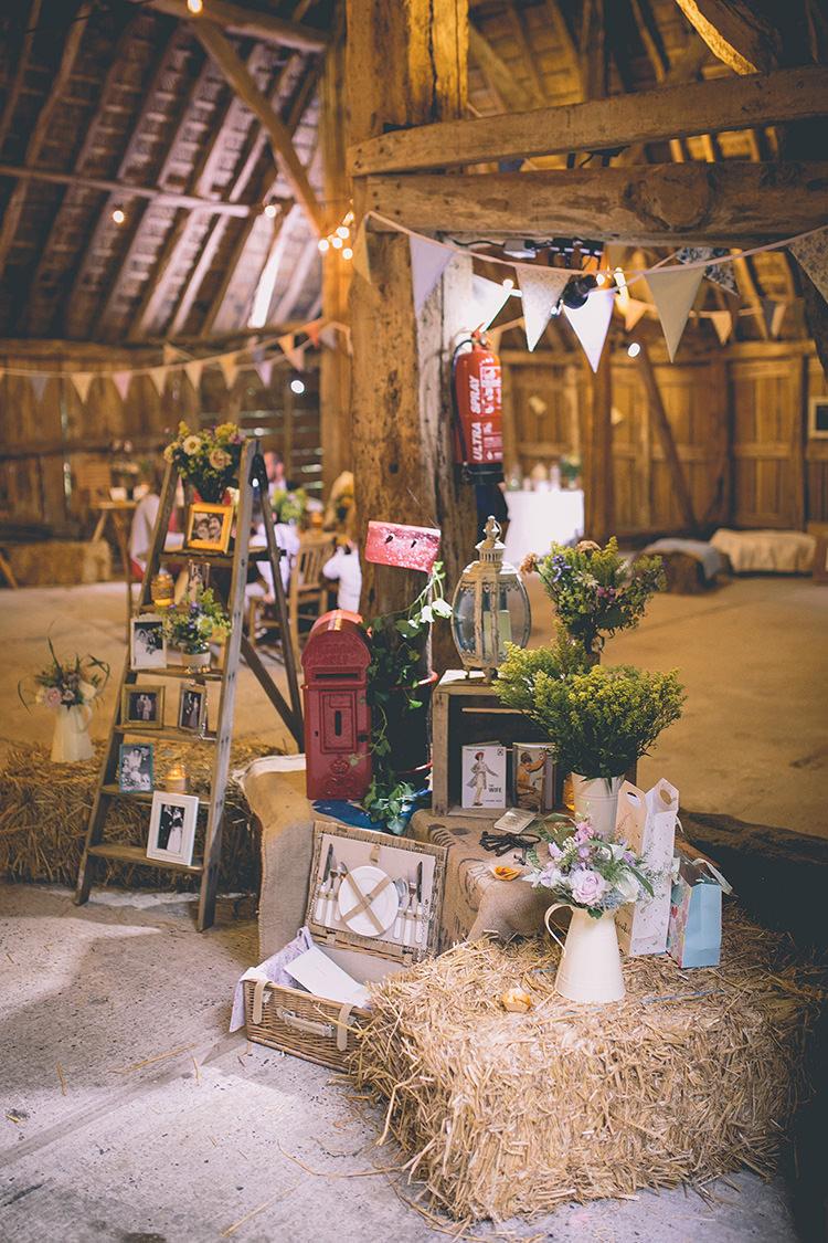 Homespun Amp Fun Country Barn Wedding Whimsical Wonderland