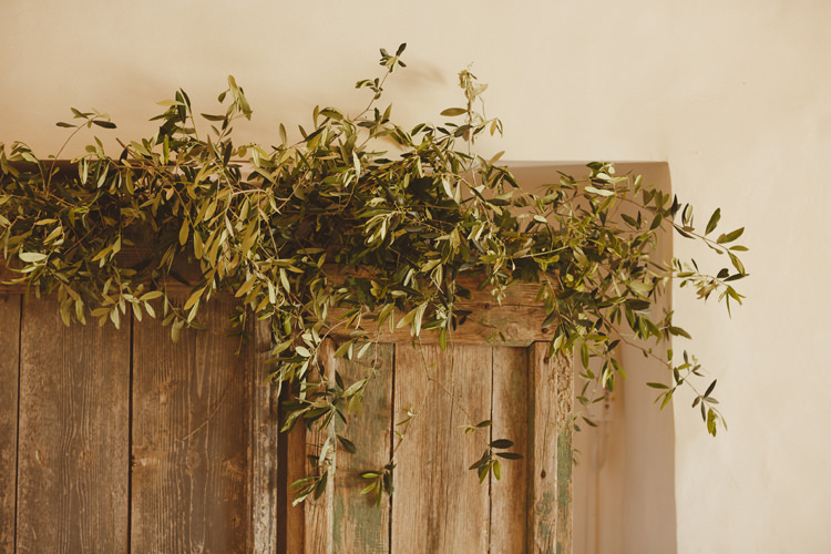 Greenery Flowers Door Way Beautifully Intimate Open Air Wedding Umbria http://www.edpeers.com/