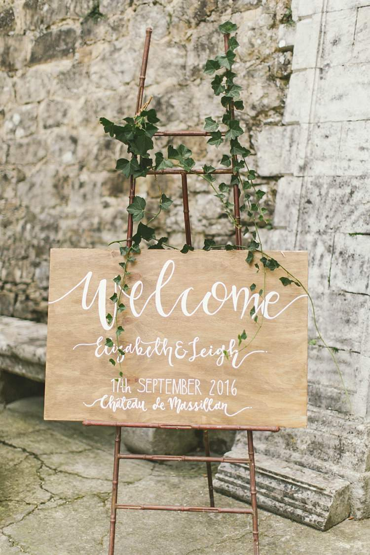 Welcome Wooden Sign Ivy Modern Calligraphy Natural Romantic Chateau Destination Wedding South of France http://www.jayrowden.com/