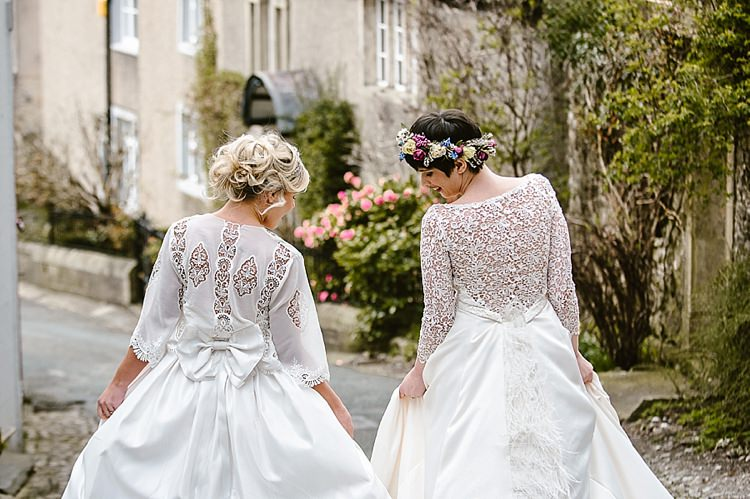 Dresses Fashion Gown Bride Bridal Beautiful Countryside Wedding Ideas Inspiration http://www.georginabrewster.com/