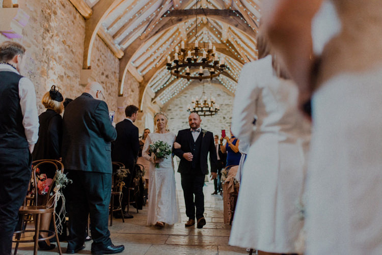 Dreamy Natural Boho Barn Wedding https://heychrisrandle.com/
