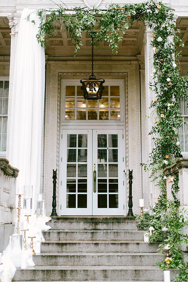 Aisle Steps Stone Greenery Candles Gold Modern Elegance Marble Greenery Gold Wedding Ideas http://www.jettwalkerphotography.com/
