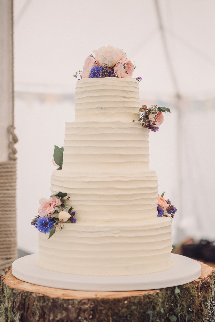 Buttercream Cake Flowers Four Tier Wooden Stand log Relaxed Outdoor Marquee Farm Wedding http://www.jenniferjanephotography.co.uk/