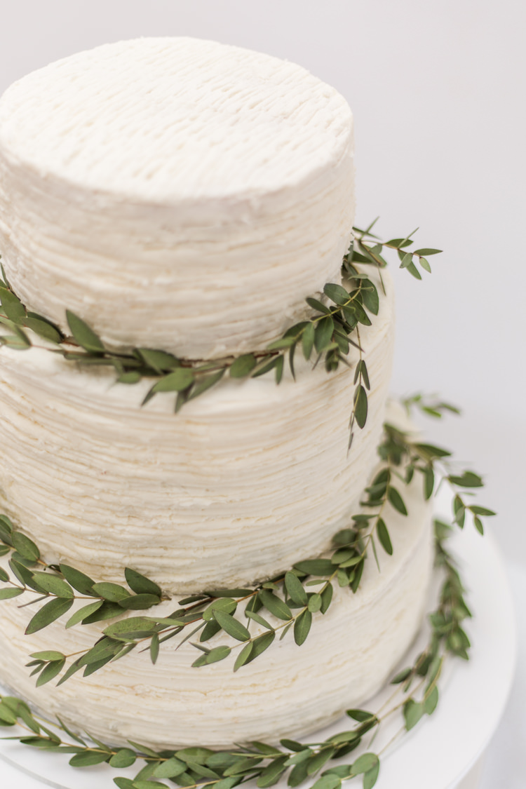 Buttercream Cake White Greenery Natural Outdoor Tipi Wedding https://www.ad-photography.co.uk/