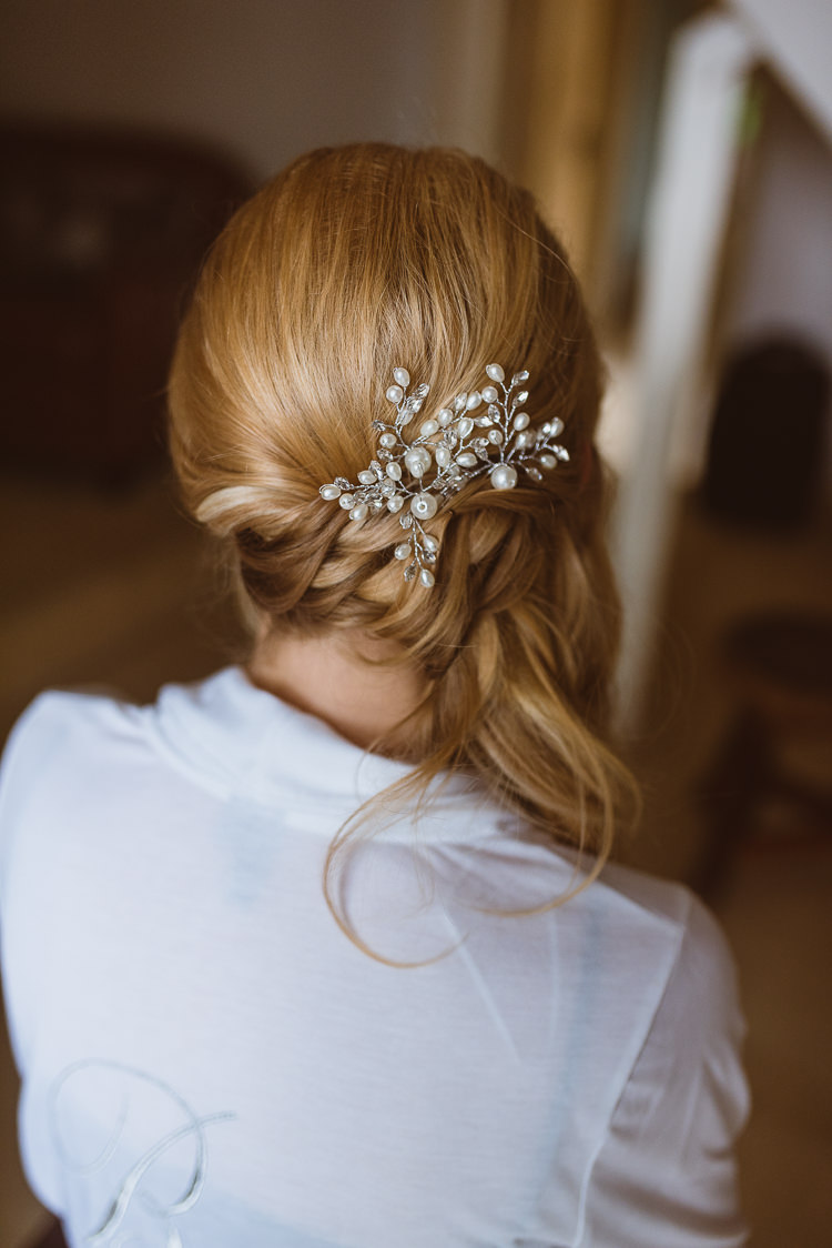 Hair Bride Bridal Style Accessory Laid Back Summer Garden Party Wedding Stretch Tent http://joemallenphotography.co.uk/
