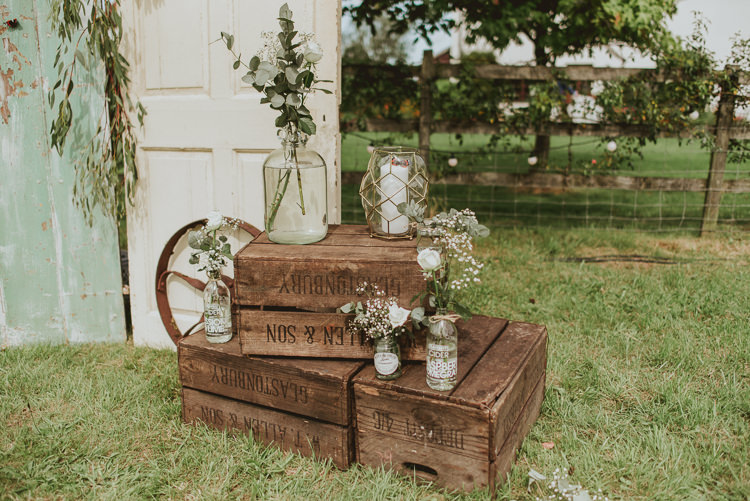 Crates Flowers Decor Rustic Greenery White Apple Orchard Wedding http://bigbouquet.co.uk/