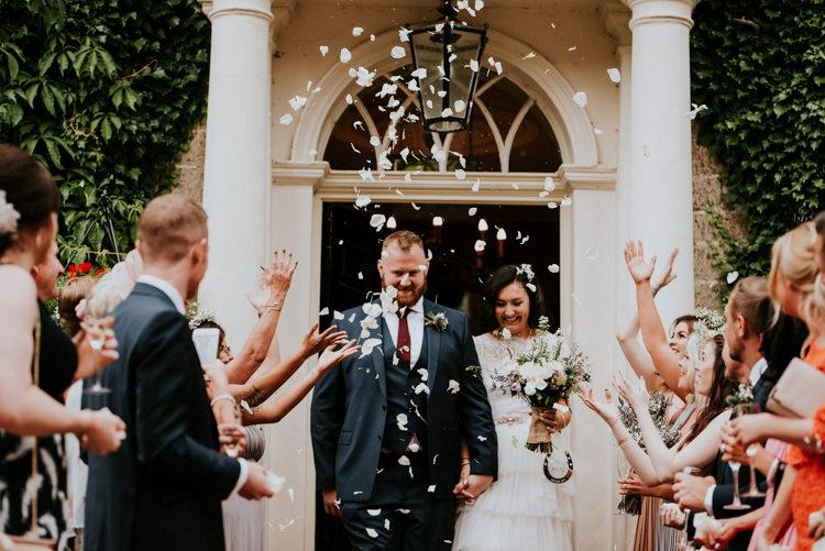 Confetti Unique Personal Natural Wedding Style https://photo.shuttergoclick.com/