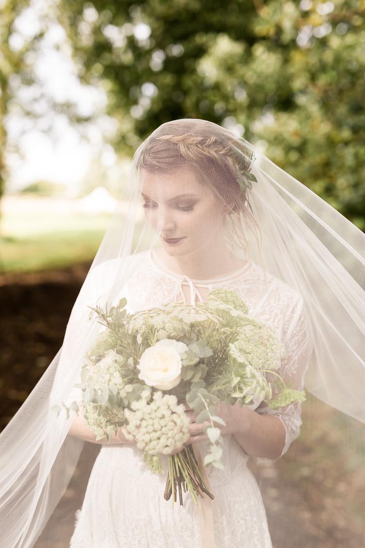 Bride Bridal Veil Make Up Hair Organic Rustic Greenery Wedding Ideas http://sarahbrookesphotography.com/