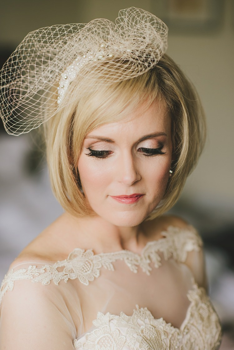 Make Up Bride Bridal Birdcage Veil Untraditional Pretty Travel Barn Wedding https://www.georgimabee.com/