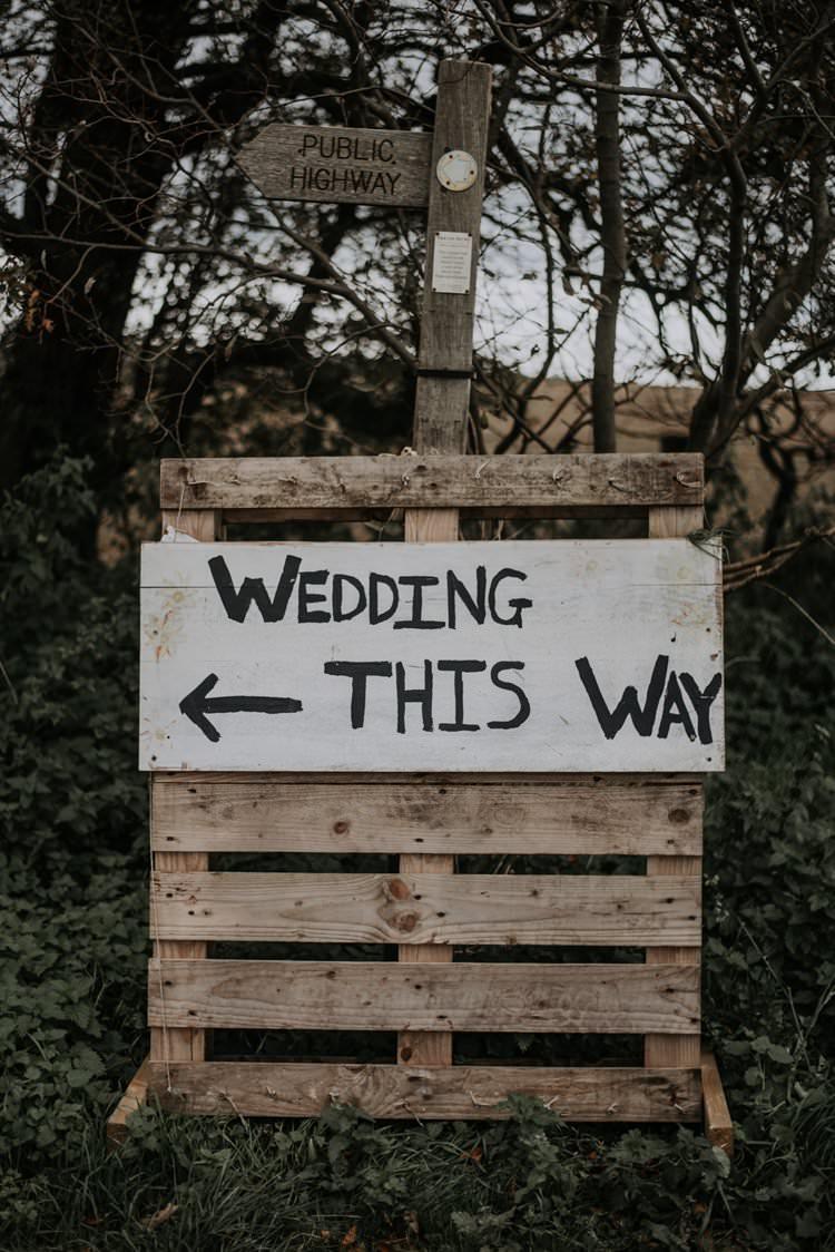 Wooden Pallet Sign Rustic Peaky Blinders Vineyard Wedding Yorkshire https://www.kazooieloki.co.uk/