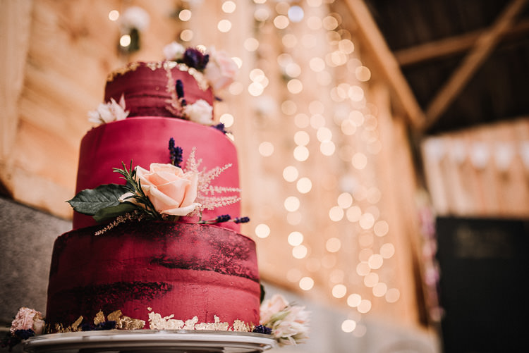 Red Gold Metallic Cake Flowers Luxe Rustic Autumn Berry Wedding http://www.oobaloosphotography.co.uk/