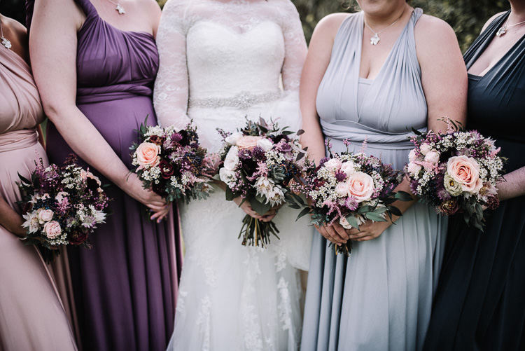 Bouquets Flowers Bride Bridesmaids Luxe Rustic Autumn Berry Wedding http://www.oobaloosphotography.co.uk/