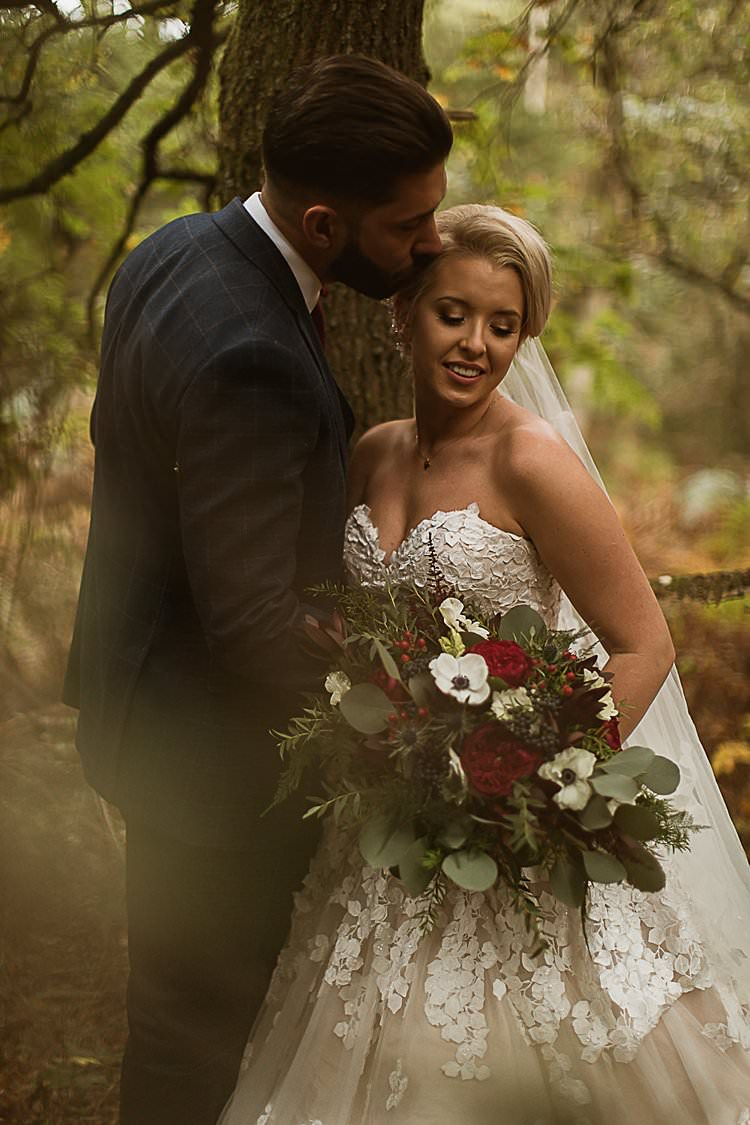 Beautiful Vibrant Dark Red Autumn Wedding http://thespringles.com/