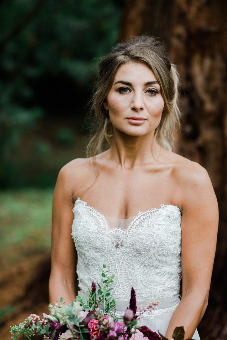 Make Up Bride Bridal Style Beauty Outdoorsy Late Summer Marquee Wedding Ideas http://www.esmefletcher.com/