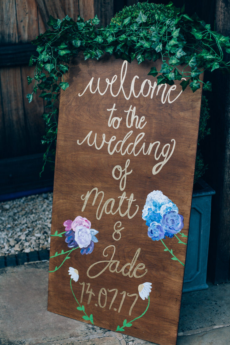 Welcome Sign Wooden Painted Gold Floral Calligraphy Greenery Flowery Bohemian Secret Garden Wedding https://caseyavenue.co.uk/