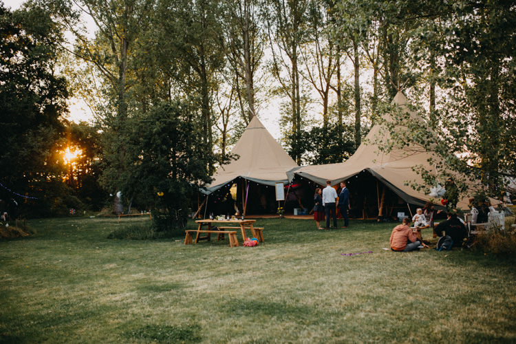 Field Garden Woodland Meadow Hippie Summer Bride Groom Hush Venue Tipi | Happy Outdoor Forest Mustard Yellow Wedding http://suzi-photography.com/