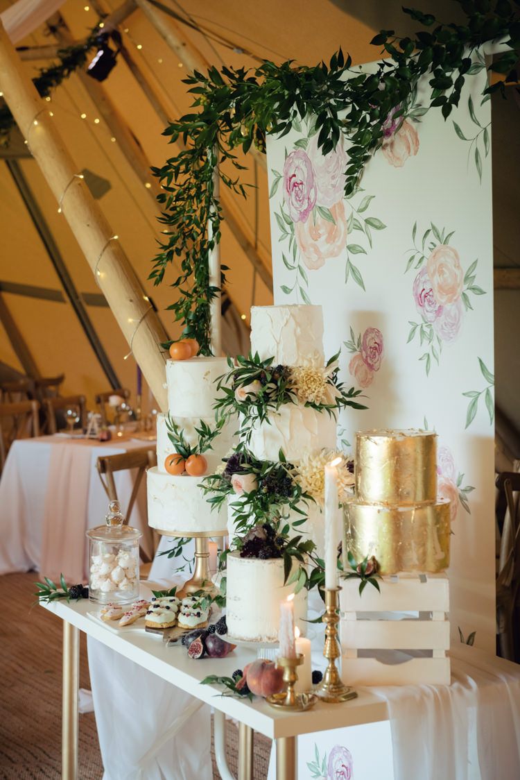Cake Table Watercolour Painting Backdrop Gold Foliage Greenery Pretty Blush Floral Tipi Wedding Ideas https://www.sarahvivienne.co.uk/