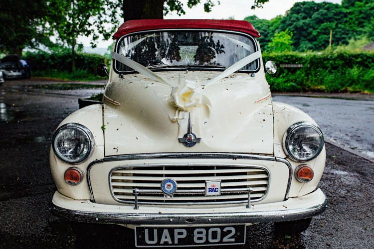 Transport Car Morris Minor Boho DIY Secret Garden Wedding https://bibandtuckerphotography.co.uk/