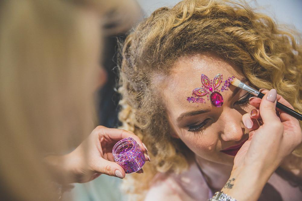 Glitter Make Up Rainbow Alternative Woodland Wedding Ideas Nicki Shea Photography