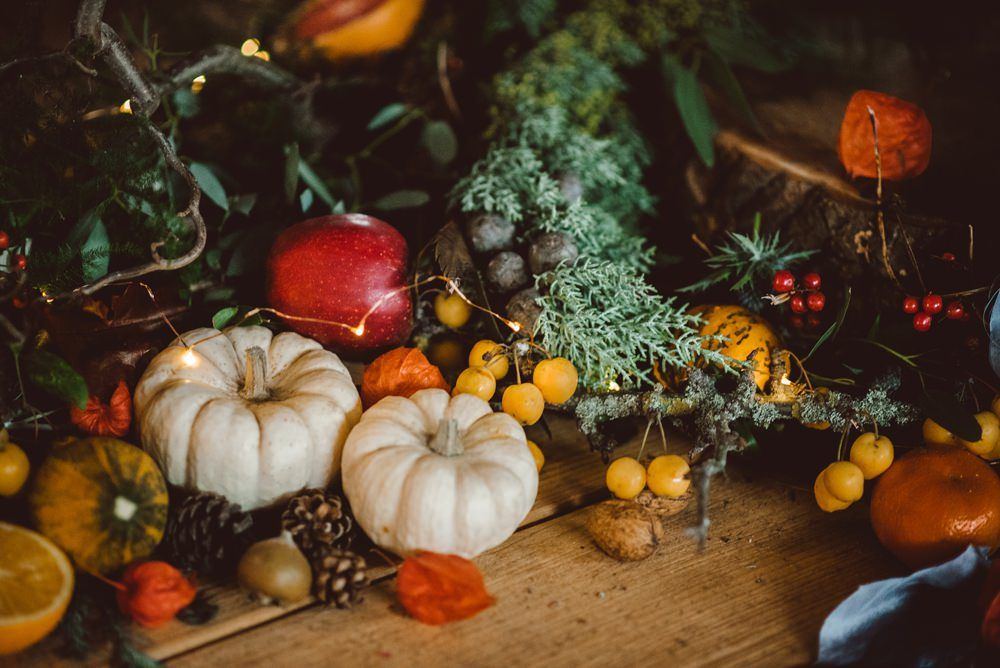 Tablescape Deor Flowers Bottles Fruit Candles Antlers Table Pumpkins Rustic Christmas Wedding Ideas Dhw Photography