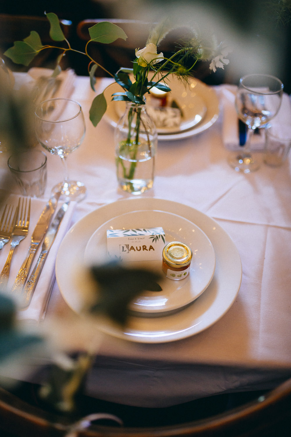 Place Setting Flowers Favours Greenery Clapton Country Club Wedding Curious Rose Photography