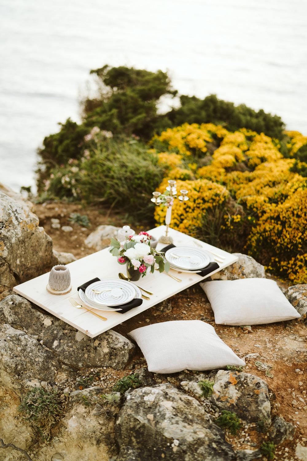 Tablescape Set Up Sweetheart Table Clifftop Portugal Wedding Ideas John Barwood Photography