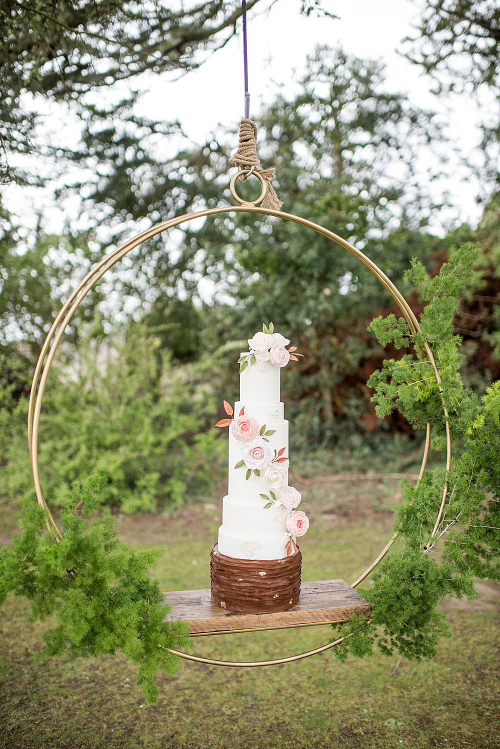 Cake Table Hoop Suspended Swing Peach Gold Wedding Ideas Jane Beadnell Photography