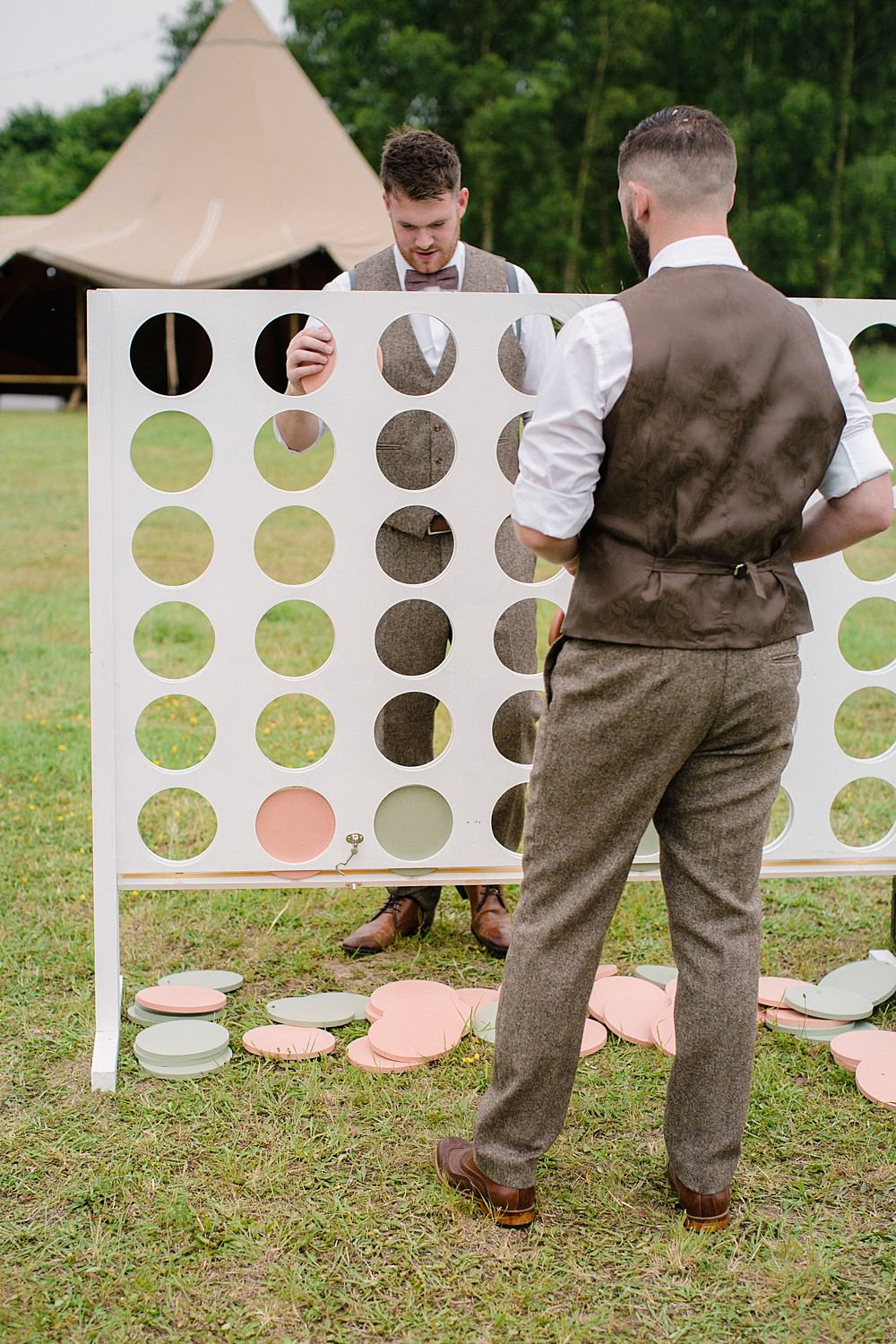Fete Garden Game Pet Wedding Ideas Vicky Plum Photography