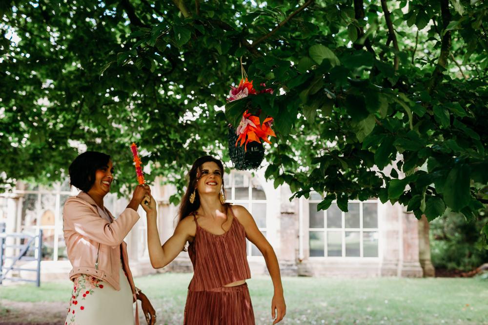 Pinata Tropical Wedding Ideas When Charlie Met Hannah