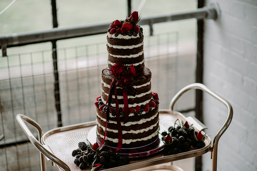 Naked Cake Tall Sponge Layer Berries Flowers Unconventional Wedding Ideas Pierra G Photography
