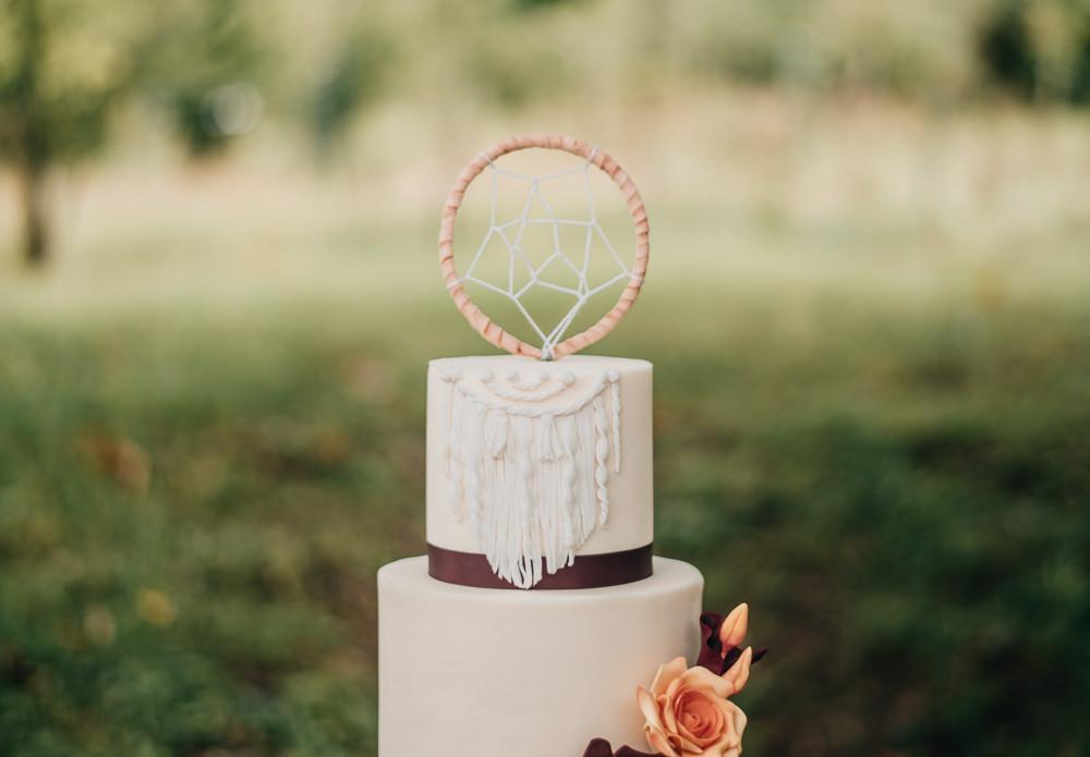 Iced Cake Sugar Flowers Dream Catcher Macrame Burgundy Orange Topper Eco Friendly Wedding Inspiration Sarah Jayne Photography