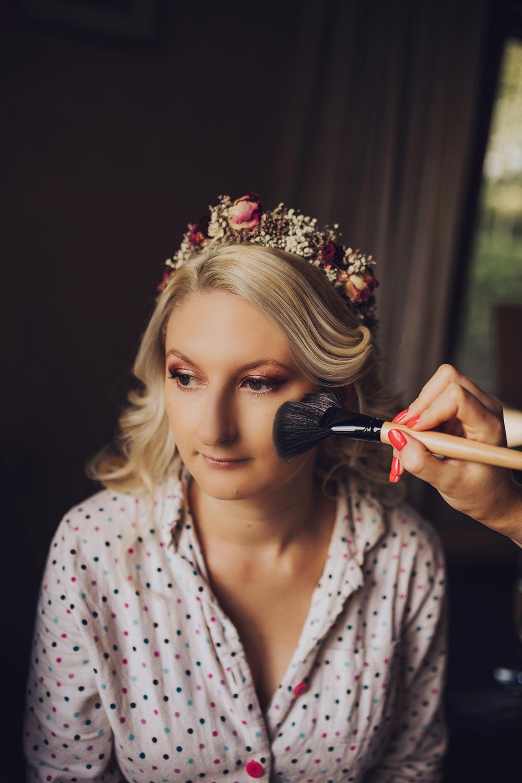 Bride Bridal Flower Crown Make Up Treehouse Wedding Honeydew Moments