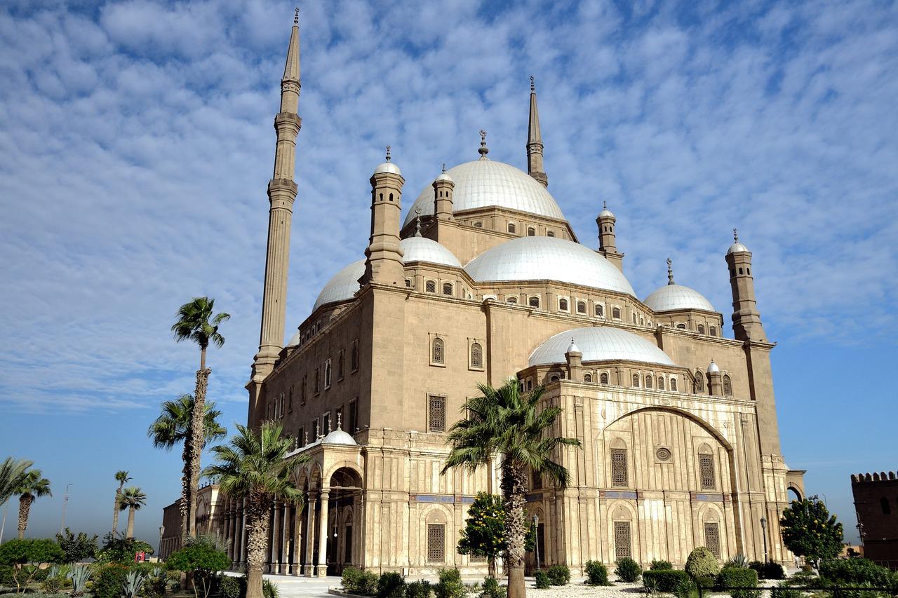 Sejarah dan Kunikan Masjid Menara Kudus