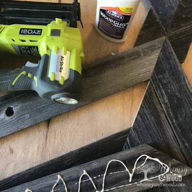 Reclaimed wood coffee table gluing the boards
