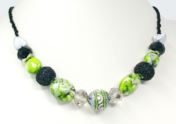 Mixed green beaded necklace