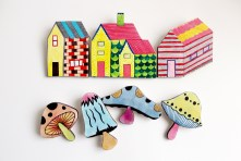 overlay_brooches