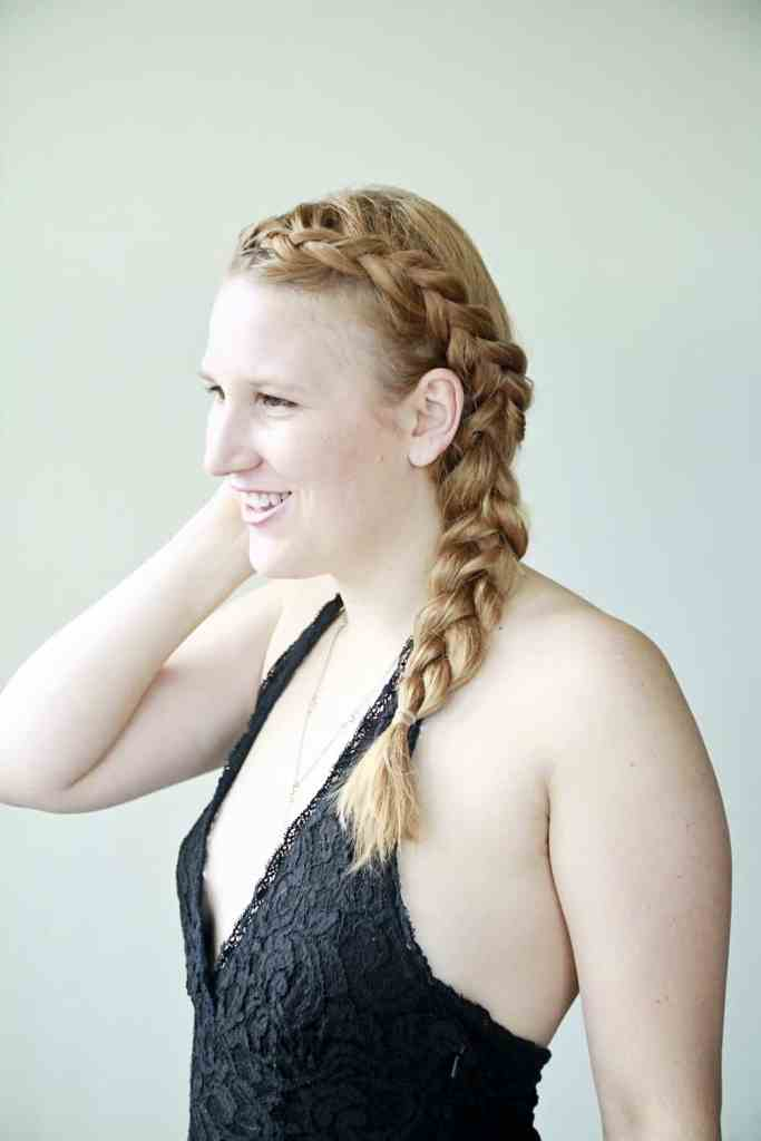 how to do a messy side braid
