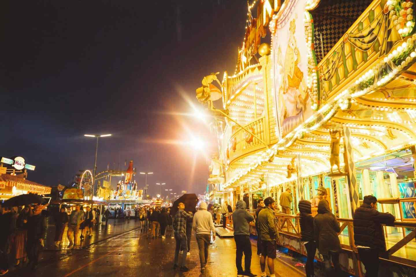 Beginners Guide To Oktoberfest From How To Order Beer To The - 10 best tents to visit at oktoberfest in munich