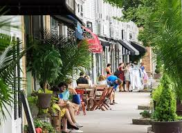 Eat outside at a cute restaurant.