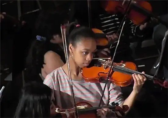 whin-music-community-charter-school-violinist