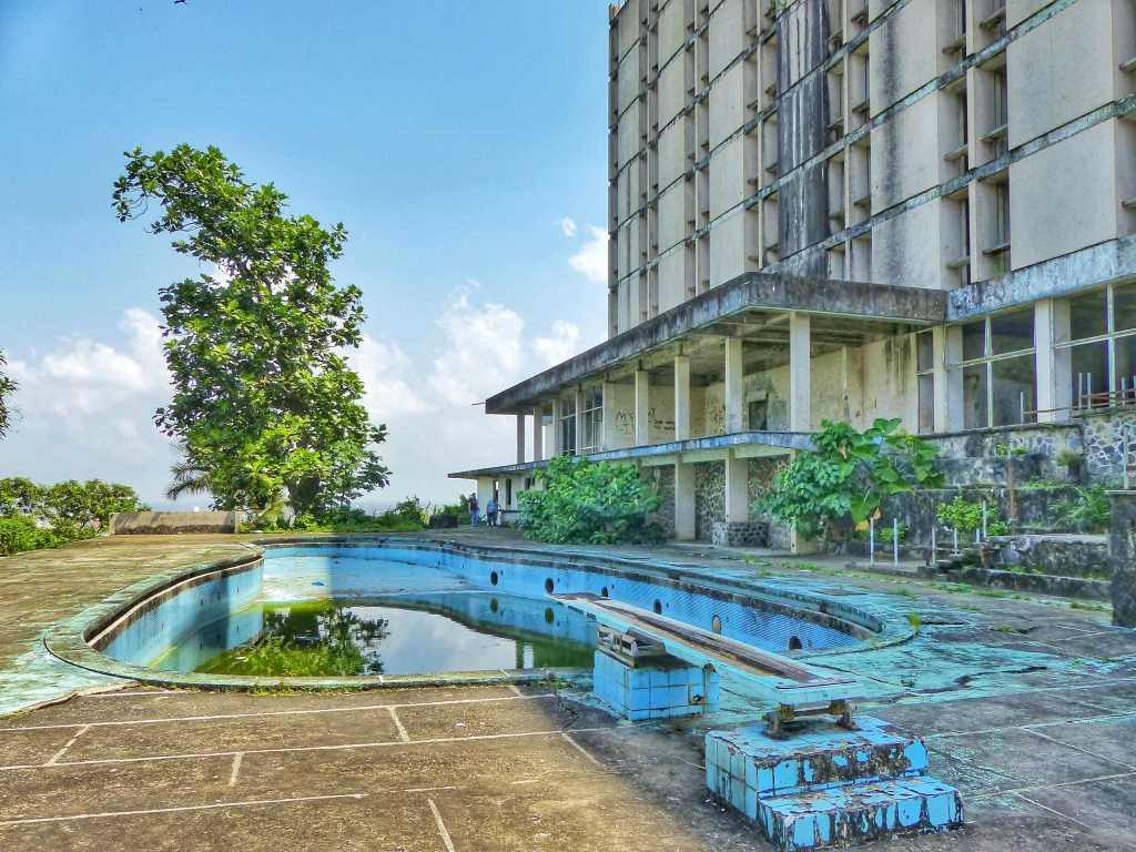 Ducor Hotel pool