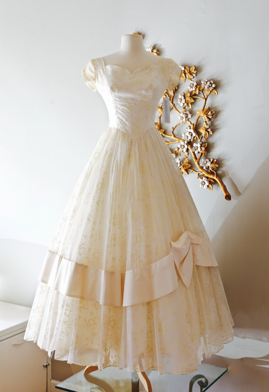 Finding A Vintage Tea Length Wedding Dress