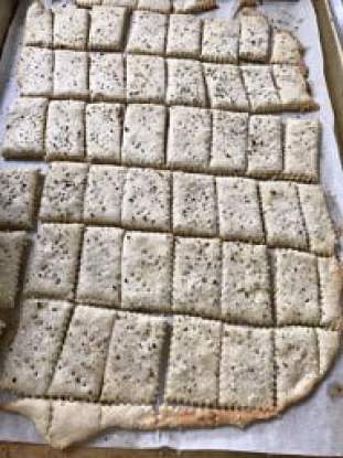 crackers-e1551298898928.jpg