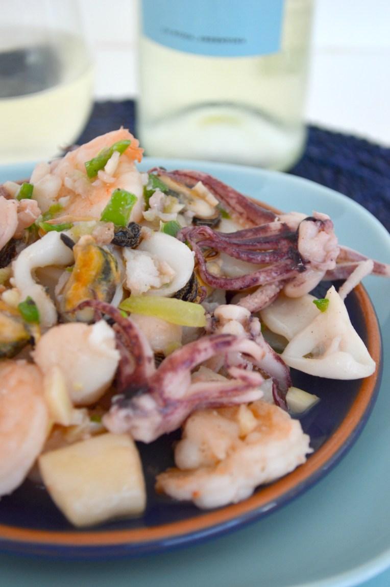 seafood marinara ready to eat