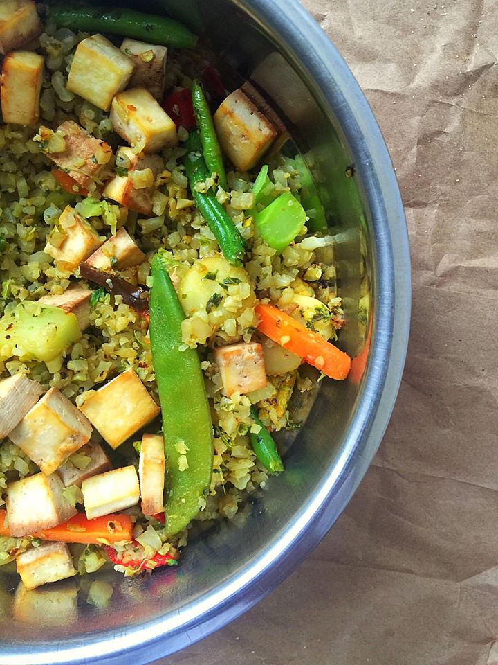 Green Curry Fried Cauliflower Rice {Vegan + GF!} | Whisk and Shout