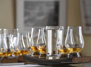 El agua en el whisky